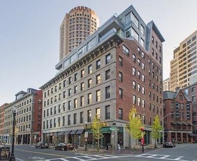 Broadluxe Condominiums